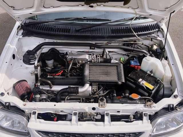 純正エアクリを外し 新品KCテクニカ パワーMAX GT エアクリを装着してあります。エアホースの破れの心配もありません。