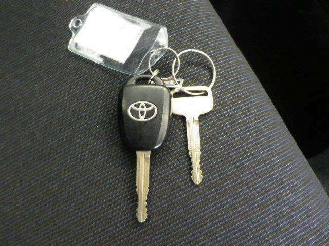 キーレス・スペアキー各1本装備!ドアのロック・アンロックもワイヤレスドアロックキーがあれば簡単便利です!