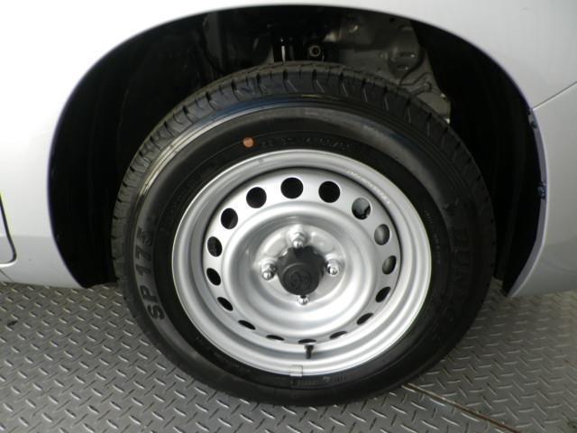 タイヤサイズは155/80R14です
