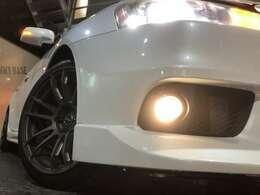 ウィンカーミラー☆ディスチャージヘッドライト☆ブレンボブレーキ☆RAYS-グラムライツ18インチホイール☆タイヤサイズ245/40-18☆ホイール・タイヤの変更(有料)も可能ですのでお気軽にご相談下さい!