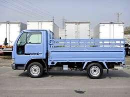 車両総重量2885kg 最大積載量1300kg