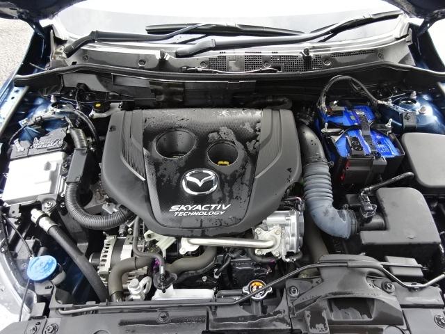 新世代クリーンディーゼルエンジンの【スカイアクティブ D】を搭載です。力強さ、軽快さ、静かさを兼ね備えた、走りの楽しさと環境性能を両立させたパワーユニットでございます。