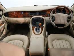 希少なH14年式のXJが入庫!4.3万キロと低走行の1台をご紹介します♪