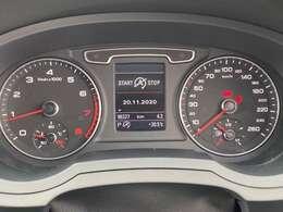 走行距離はまだ10万キロ未満となっており、まだまだ走ることのできるお車となっております!