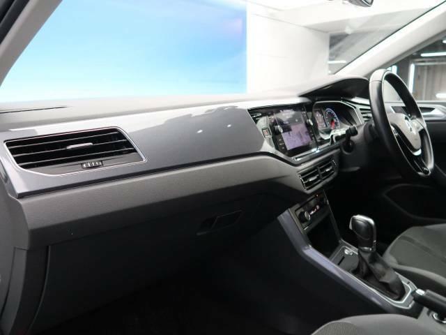 ●輸入車ならではの、細部まで作り込まれた、洗練されたデザインです。運転席からの視界は、店頭にてお客様ご自身の目でお確かめください.