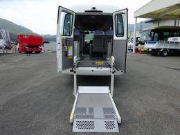 日野自動車 リエッセII 20人乗りマイクロバス 車いす移動車 AT 車いすリフト 自動折戸扉 連動ステップ付