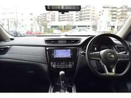 視界が広く安全装備も充実したお車になっております。
