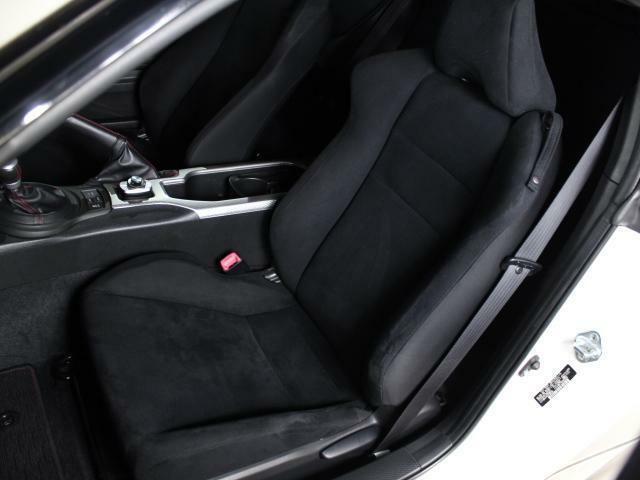 助手席シートも綺麗!気持ちよくご使用いただけます。