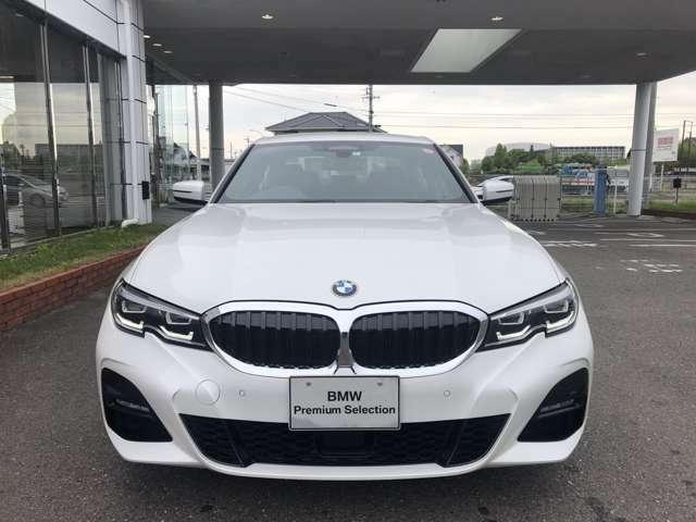 BMW Premiumu Selectionエンジンやトランンスミッション、ブレーキなどの主要部分はご購入後2年間、走行距離に関係なく保証します。万一、修理が必要な場合は工賃まで含め無料で対応致します。