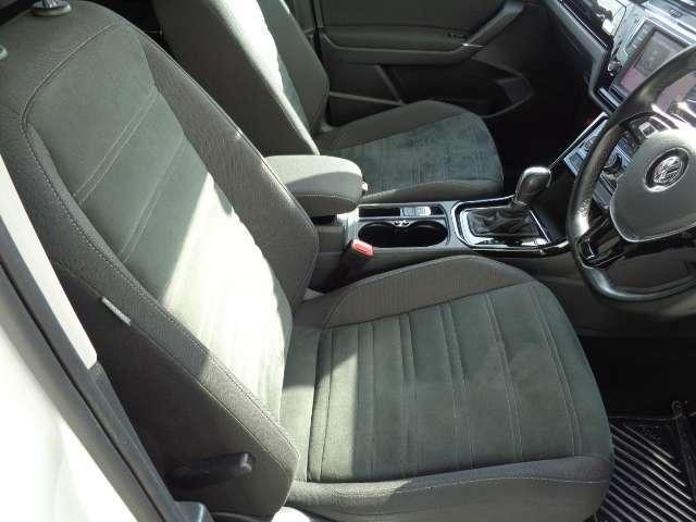 運転席/助手席にシートヒーター付き!