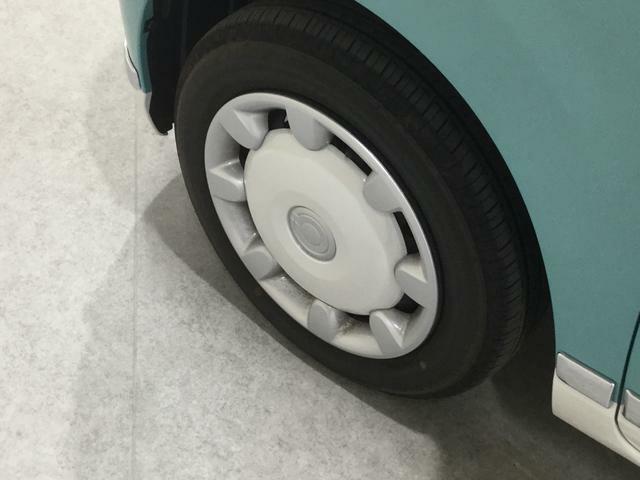 左側前輪のタイヤです♪