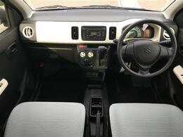 純正オーディオ/AUX/D席シートヒーター/アイドリングストップ/横滑り防止装置/社外フロアマット/ドアバイザー