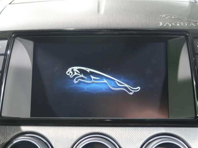◆フルセグTV内蔵純正ナビゲーション『タッチ液晶で楽々操作♪CD/DVD再生はもちろん、Bluetoothなど多彩なメディアに対応!