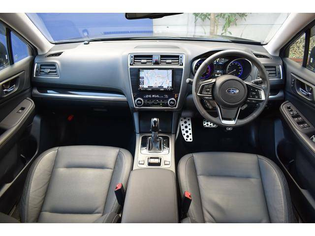 大きなフロントガラスはとても視界が良く、安心してドライブをお楽しみいただけます。