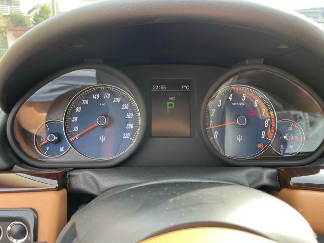 車両の細かいところまでチェックをし、お客様に気持ち良く乗って頂けるよう一生懸命頑張ります!