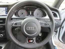 ■黒のレザーシートは高級感もあって車内はとってもラグジュアリーな雰囲気ですよ!もちろんパワーシートにシートヒーターも付いています!