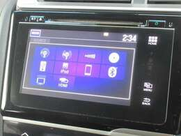 ナビゲーションはホンダ純正メモリーナビが装着されております。AM、FM、CD、DVD再生、フルセグTV、Bluetoothがご使用いただけます。初めて訪れた場所でも道に迷わず安心ですね!