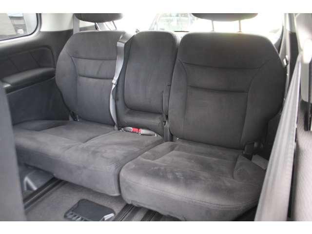 サードシートに焦げやシミなど無しキレイです!