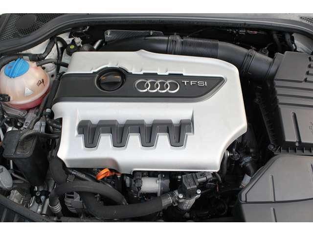 ■エンジンルームも綺麗に磨かれており、エンジン下のオイル漏れも御座いません。■
