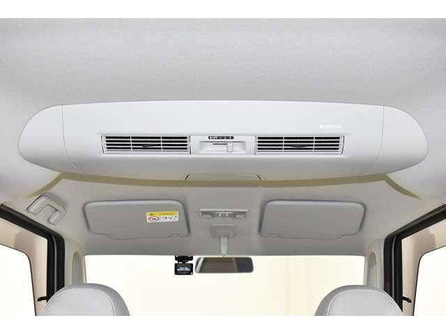 広く高い室内の冷暖房効果を高めるサーキュレーター装備!