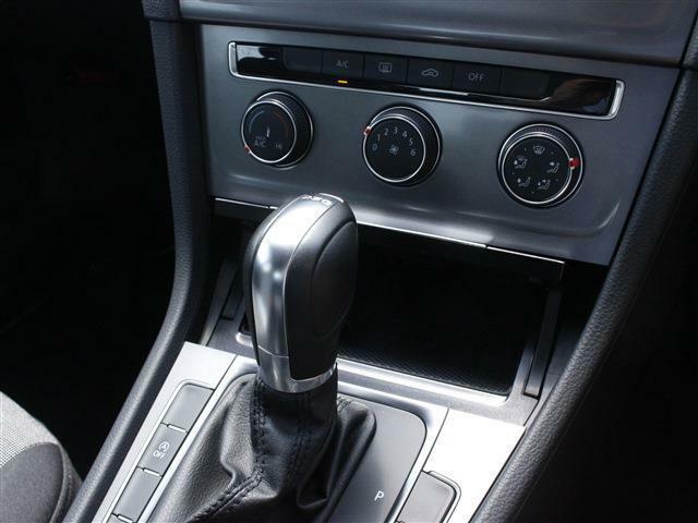 車内や窓ガラスはクリーニングをしてのご納車となります!