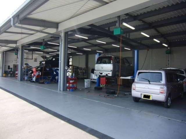 Aプラン画像:安心の中部陸運局指定の自社整備工場2箇所・ボディーリペアー工場を完備しています。納車前には、徹底した点検&整備実施をして安心をお届します。