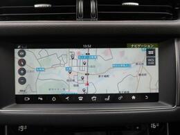 タッチスクリーンに対応した純正SSDナビゲーションシステムを装備。スマートフォンなどからのBluetooth接続やデジタルテレビも装備されています。