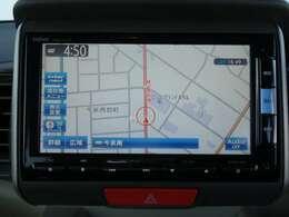 純正メモリーインターナビ☆インターナビを利用している全国のHonda車1台1台から1日平均約100万kmの走行情報を収集し携帯電話などのデータ通信を利用してユーザーに配信します。