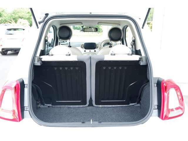 開口部が広く、荷物の積み下ろしも容易にできます。