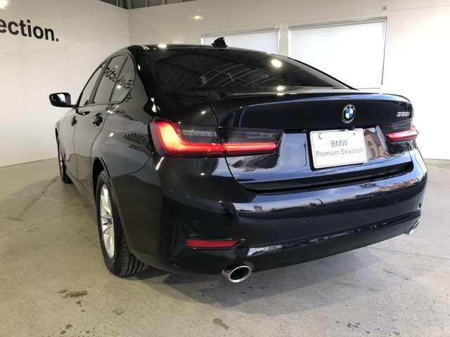 BMWエフィシエントライトウェイト 適切な素材を適切な部位にをコンセプトに基づき設定された軽量構造で重量の軽減し剛性を高め、卓越した俊敏性を可能にします。この哲学はBMW全モデルに息づいています。