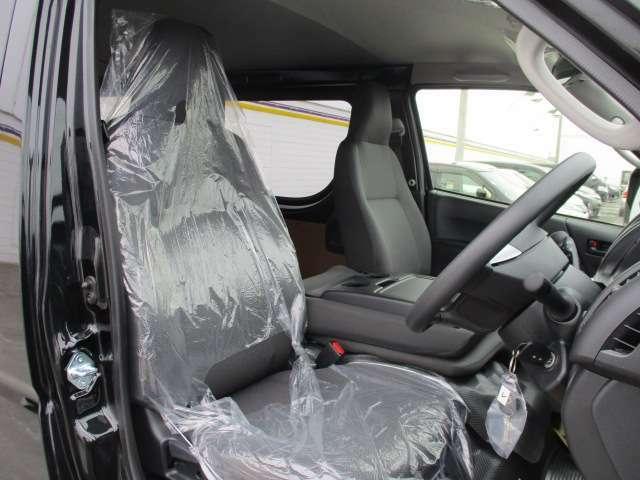 新車時に付帯される保証を継承致します。全国の各ディーラーにて保証修理が受けられます。保証の範囲については新車の保証範囲に限られます。