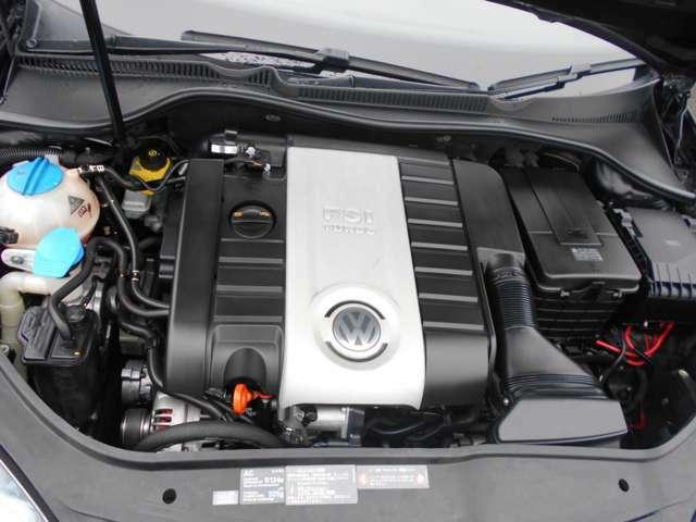 後期最終型のBWAエンジンです!2007年10月以前のAXXエンジンはトラブルが多くガスケットが抜けたりオイル漏れと消費が激しくその他トラブルが頻繁に起きるようです。このBWAエンジンは非常に丈夫で耐久性も高いです