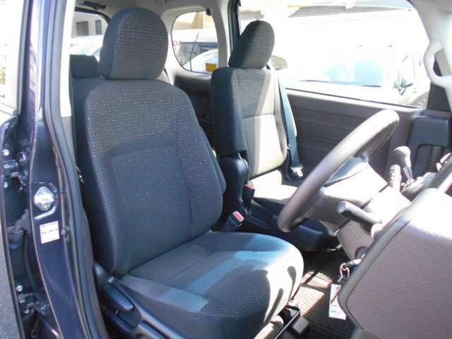 ☆フロントシートです☆運転席は座面の高さが調節できます☆