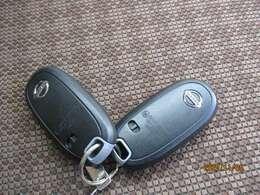 【スマートキー装備】雨の日や手が荷物で塞がっているとき鍵が取り出せなくてイライラしたことありませんか?これがあれば解決!鍵がなくてもボタンを押すだけ大変便利な装備です★必見です!