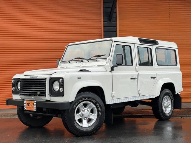 平成16年式(2004y)ランドローバーディフェンダー110SE Td5 D-TB 4WD!正規ディーラー車!右ハンドル!純正5速車!ディーゼルターボエンジン!ルーフウィンドウ付!背面タイヤ付!