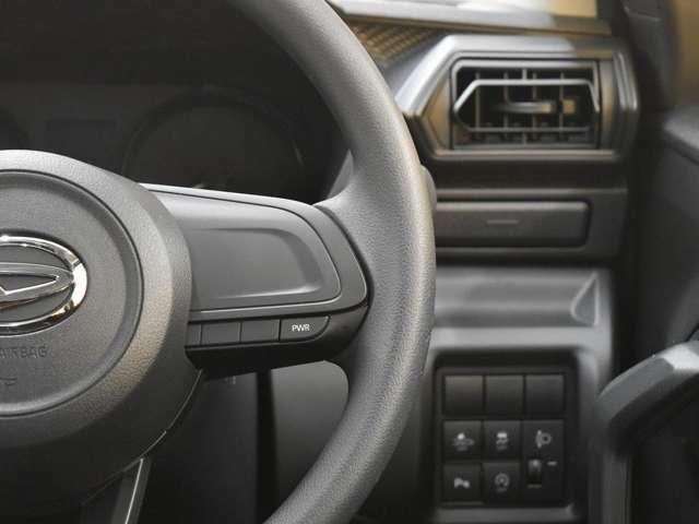 フラットなデザインの車内なので、運転中に前方が見にくいなどの不安も少なく安心してドライブ出来ます!