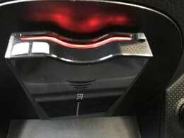 ETC車載器搭載済みです! 納車前には使用できるようにセットアップをさせていただきます。ETCカードの取扱もしておりますので是非ご利用ください。