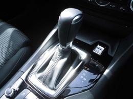 マニュアルモード機能付きの6速オートマミッションが、搭載されてます。