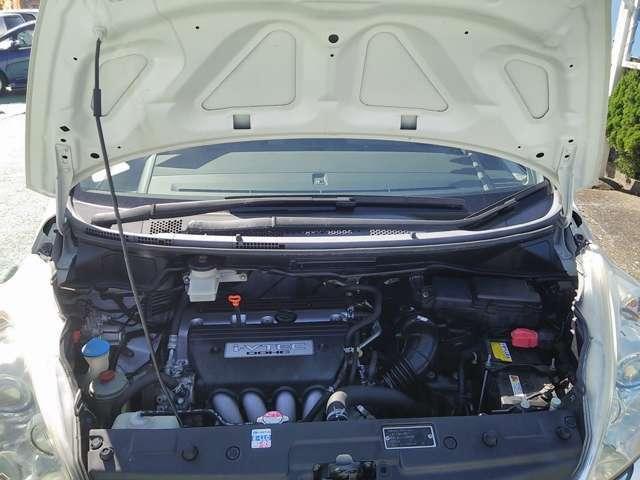 エンジンルームも綺麗にクリーニング済みオイル交換等、整備してお渡し致します。