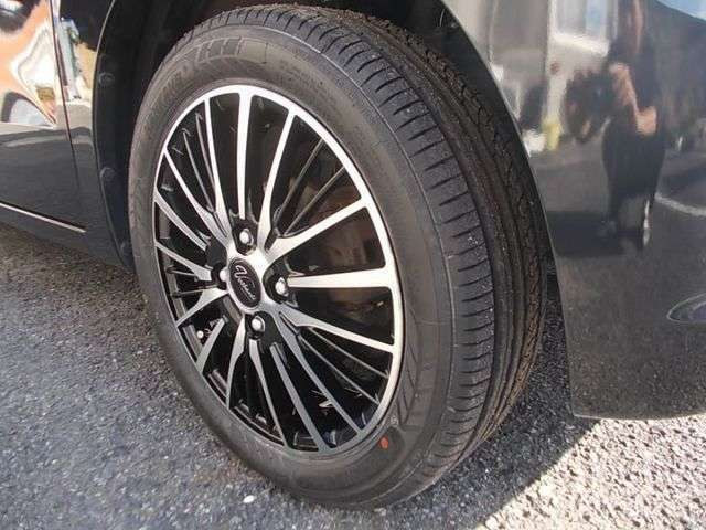 新品の15インチアルミ タイヤ4本交換済み