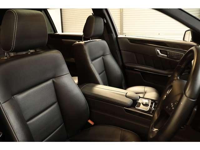 綺麗な状態が維持されたブラックレザーシートを設定!メモリー機能付きパワーシート、全席シートヒーター、ランバーサポートなど多機能設計でカーライフをサポート致します!