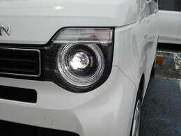 ヘッドライトは「LED」!!!明るさもですが、何よりかっこいい♪
