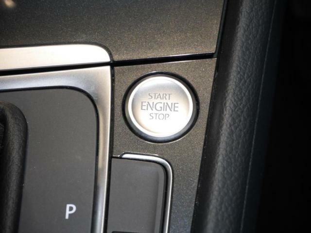 エンジン始動はエンジンプッシュスタートを装備しています。