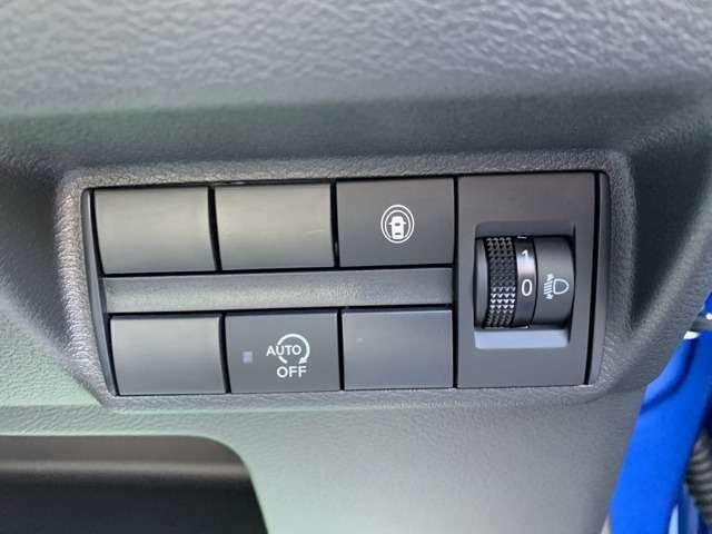 衝突被害軽減ブレーキなど、安全装備も充実しております。