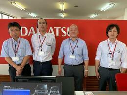 当社営業スタッフ左より北林・重山・成田・茨目です!よろしくお願い致します
