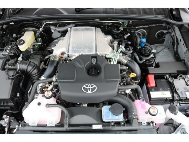 パワフルな動力性能とクリーンな環境性能を兼ね備えた2GD-FTVエンジン!