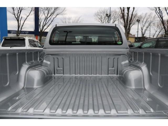 デッキ部には錆や腐食に強い亜鉛メッキ鋼板を採用し、高い防錆性能を確保しています!