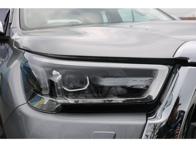 Zグレードではオートレベリング機能付きBi-Beam(バイビーム)LEDを採用!