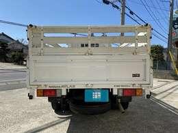 荷物を沢山積めるように荷台が高くなっております。高さのある積載物も安心ですね。