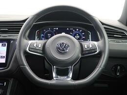 様々なシーンで活躍してくれる多機能なSUV。快適性と安全性を兼ね備えドライバーと車に一体感を。